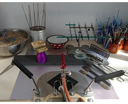 making lampwork glass beads lampwork
