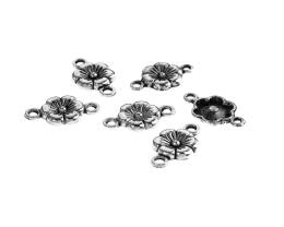 1 Jewellery Connectors Antique Silver Flowers 17mm